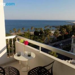 2b Boutique Seafront Apartment Olympic Beach
